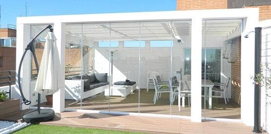 Cerramientos de terrazas con cortinas de cristal for Fotos terrazas cerradas
