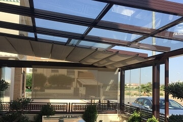 Terraza de tico en madrid cortina techo cristal satinado - Pergola terraza atico ...