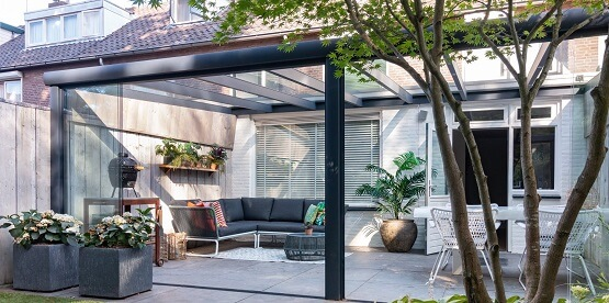 Empresa fabricante de cerramientos de cristal y techos for Cerramientos patios interiores